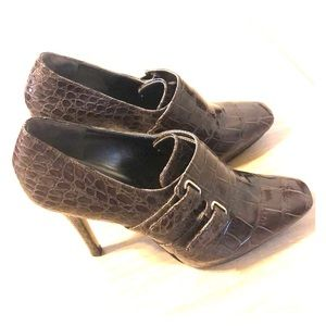 Guess by Marciano size 8.5